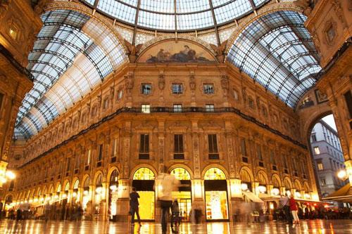 Milan Luxury Shopping Destination Pics