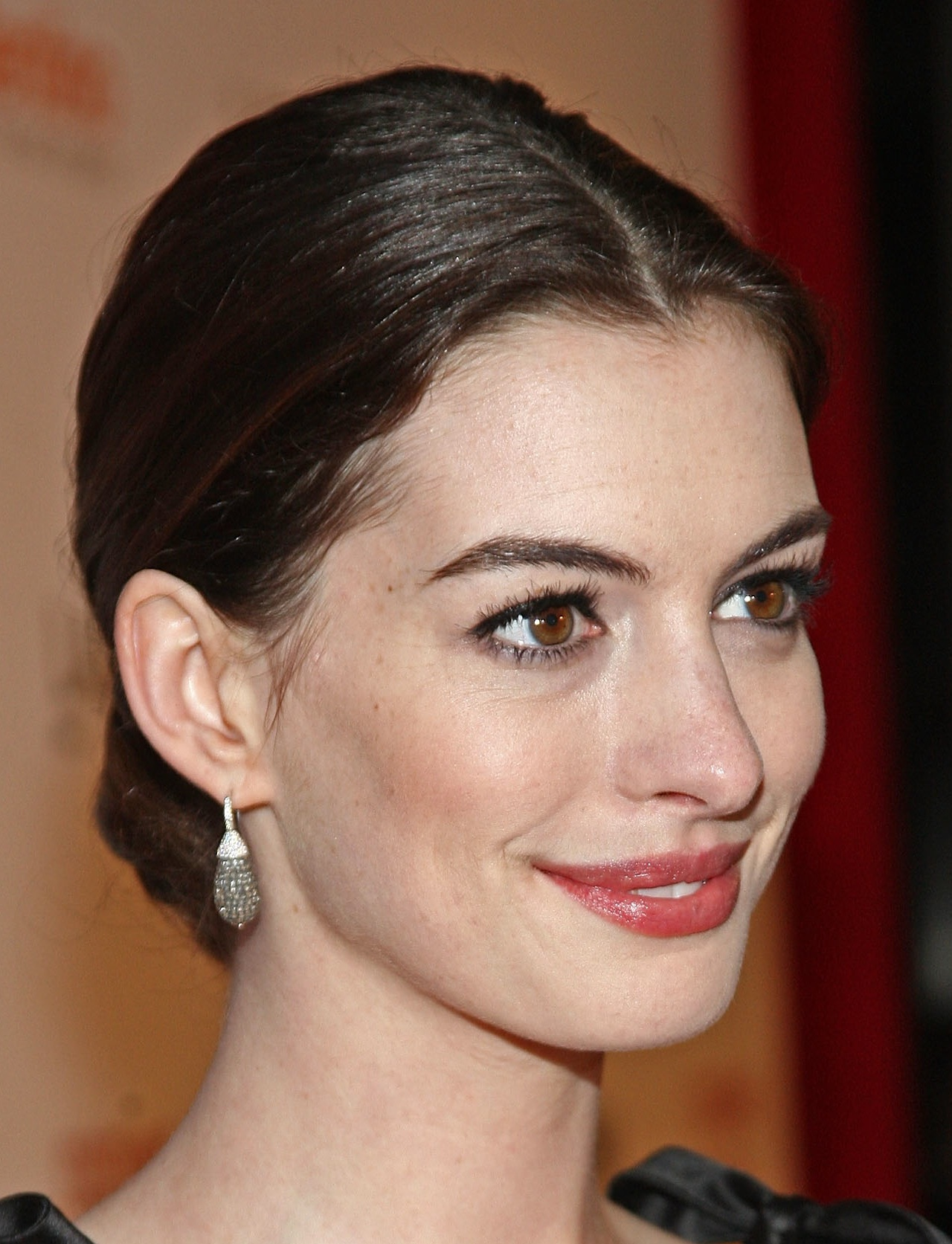 Anne Hathaway Beautiful Photo Fashion Style Trends 2019