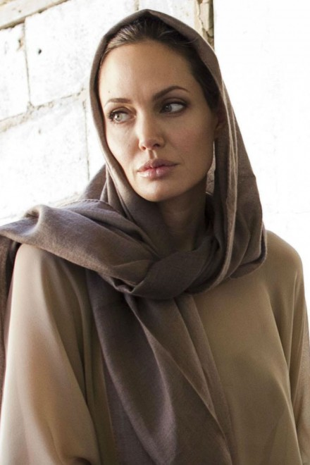 Angelina Jolie Undergo Another Preventative Cancer Surgery