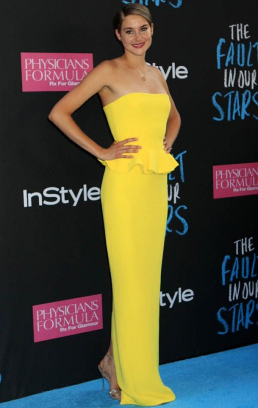 Hottest Hollywood Celebrities Are Wearing Yellow