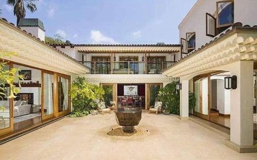 Bruce Willis Sells Mansion for $16.5 Million