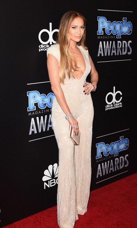 Jennifer Lopez At 2014 PEOPLE Magazine Awards Red Carpet