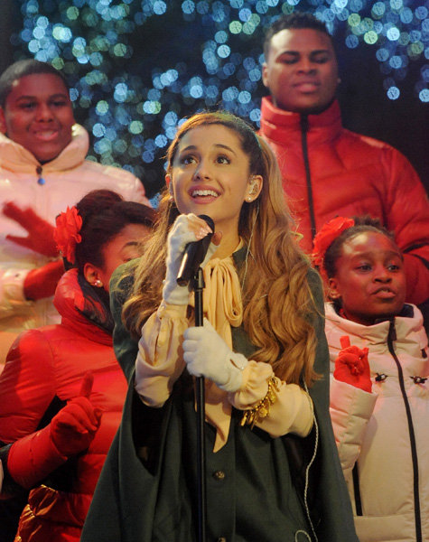 Ariana Grande Christmas Performance