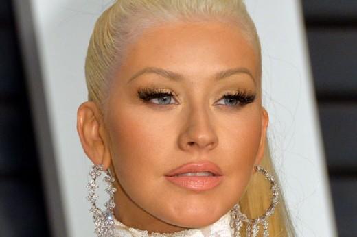 Christina Aguilera Vanity Fair Oscars Party 2015 Bad Bronzer