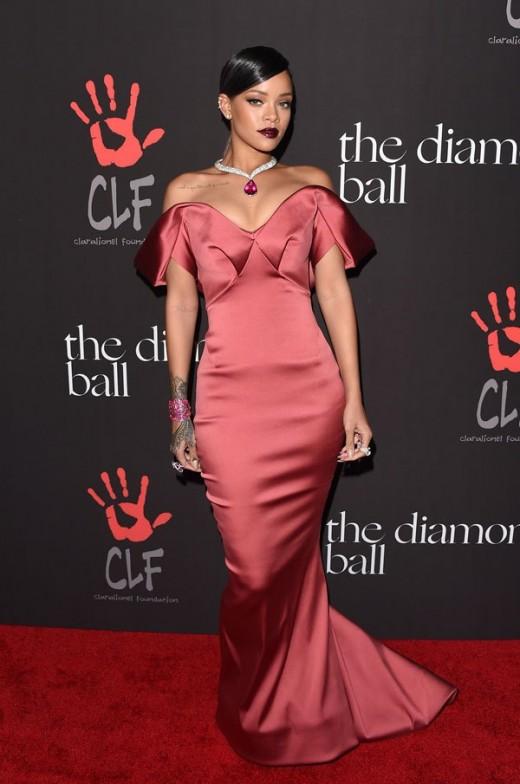 Rihanna hot images