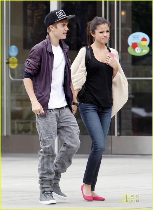 Selena Gomez and Justin Bieber Nice Pose
