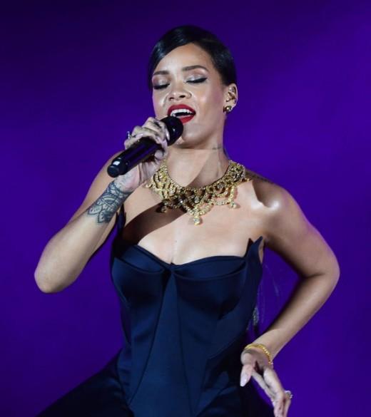 Rihanna Performance Picture