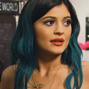 Kylie Plumps Her Lips