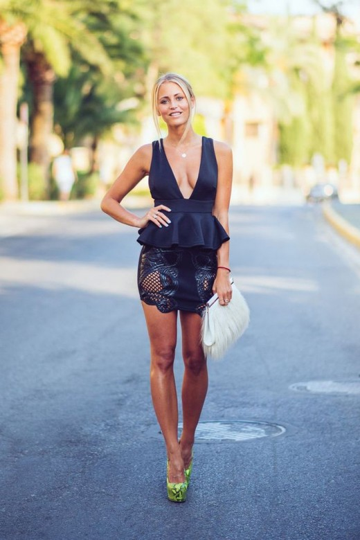 Black_V_neck_top_mini_lace_skirt