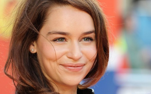 Emilia-Clarke-Moments-That-Show-Why-Shes-the-Sexiest-Woman-Alive