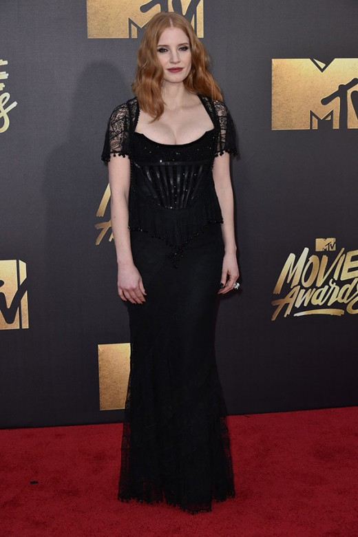 Jessica Chastain MTV Movie Awards Red Carpet Photos