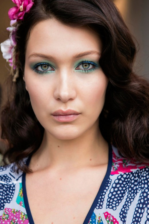8 Gorgeous Ways to Embrace Colorful Bright Eyes Makeup Trend