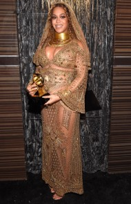 thumbs_beyonce-2017grammys