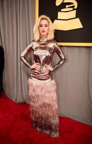 thumbs_katy-perry-grammys-2017
