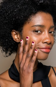 thumbs_01-tanya-taylor-fall-2017-french-manicure-nude-base-maroon-tips