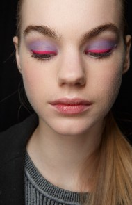 thumbs_02-oscar-de-la-renta-fall-2017-pale-purple-red-eyeshadow