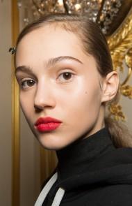 thumbs_14-jason-wu-fall-2017-matte-red-lipstick-glowing-skin