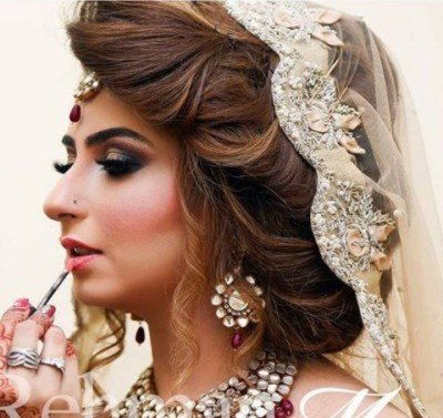 Latest Pakistani Bridal Hairstyles 2018 13