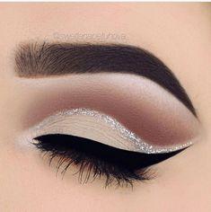 Elegant and Dreamy Eyebrows
