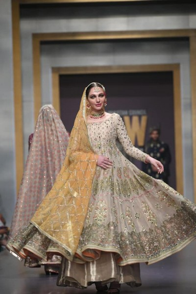 Deepak Perwani Bridal dresses 2019
