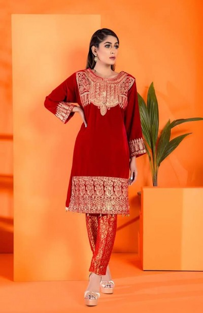 Al-Zohaib-Embroidered-Velvet-dresses-4