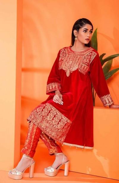 Al-Zohaib-Embroidered-Velvet-dresses-3