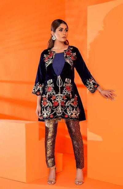 Al-Zohaib-Embroidered-Velvet-dresses-10