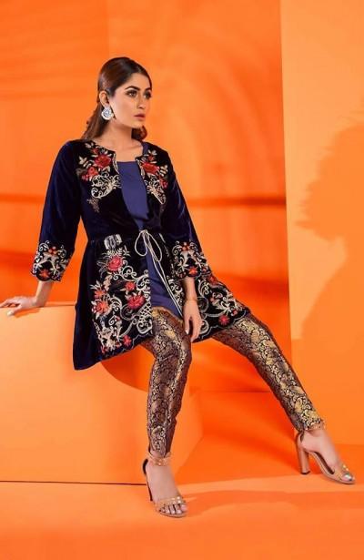 Al-Zohaib-Embroidered-Velvet-dresses-9