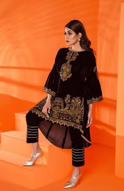 Al-Zohaib-Embroidered-Velvet-dresses-7
