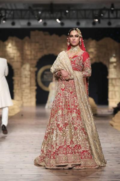 Anaya-by-Kiran-Chaudhry-formal-collection