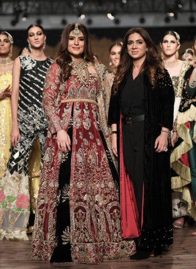 Reema Ahsan with Resham at Fashion Show